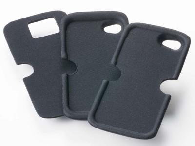 付属の各種スマートフォン用パット:左より: GALAXY S3/S4・iPhone4S/4・iPhone5S/5C/5