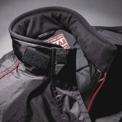 衿周りに起毛トリコットを使用し、暖かさと着心地を両立。