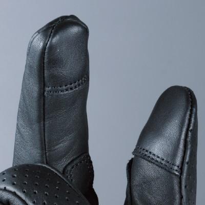 人差し指・親指指先はスマートフォンが操作できる仕様。
