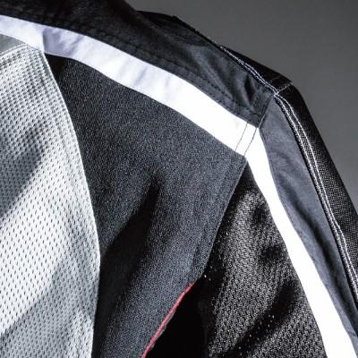 肩周りにはストレッチニットを使用し着心地をアップ。