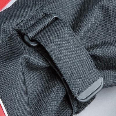腕にバタつき防止ベルトを装備。安全性と快適性を向上。