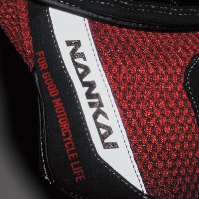 手首表側にネーム入り反射素材を採用し、被視認性をアップ。
