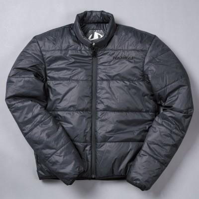 インナージャケットは街着にもOKの着脱式。アウターとインナーの2ウェイで使える。